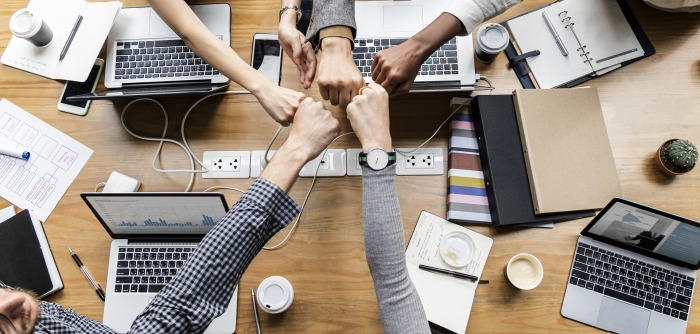 Why start-ups should partner with biggerbusinesses